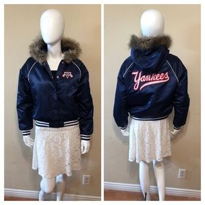 Yankees Hooded Cooperstown Quilted Jacket  Sz Med